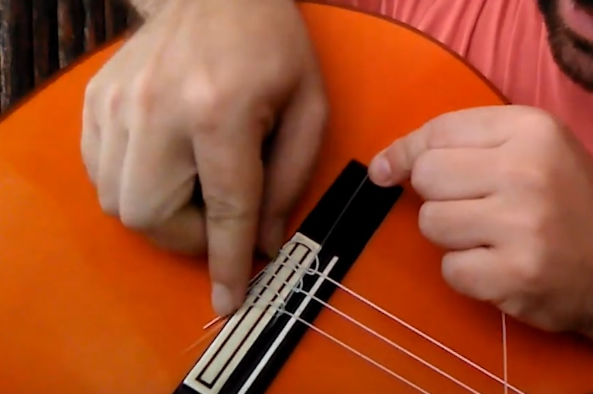 Cambiar las cuerdas de la guitarra